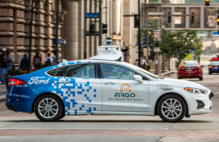 How can Pittsburgh keep its leading role in the autonomous tech industry?